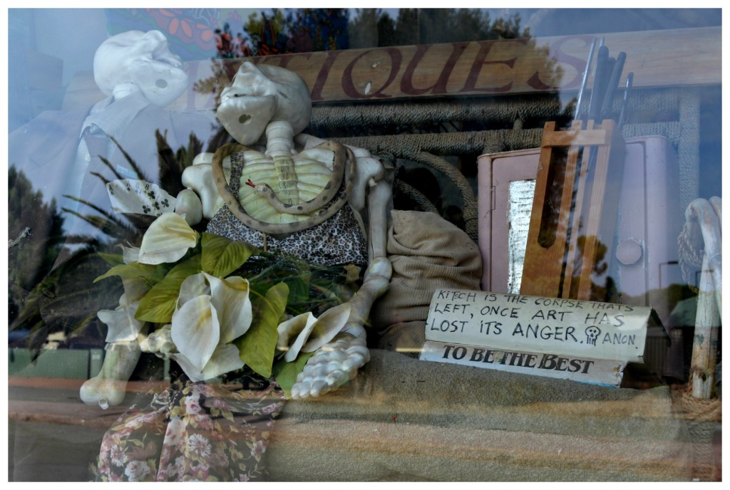 #kitsch #quote Kitsch is the corpse that's left, once art has lost its anger. Anon Be Kitschig Blog