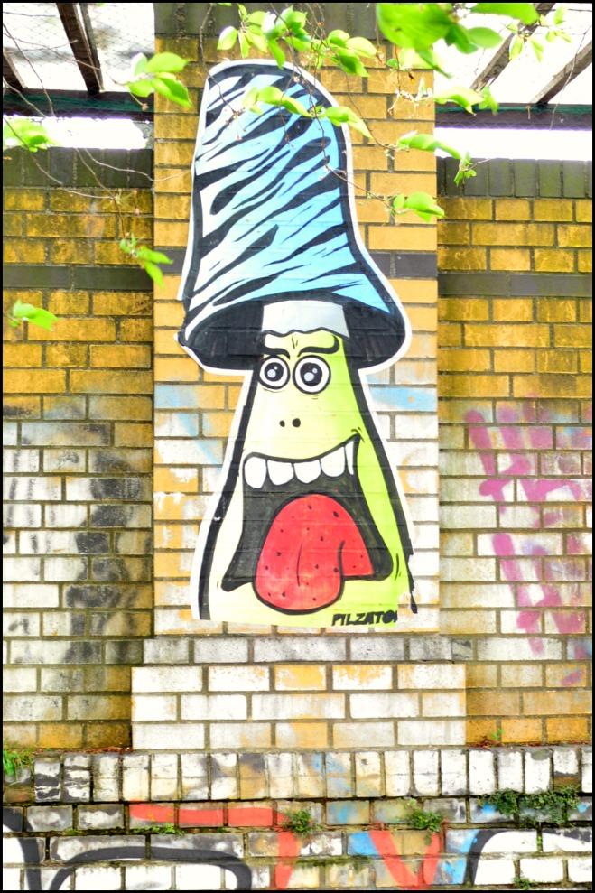street art Berlin Pilzator Pils