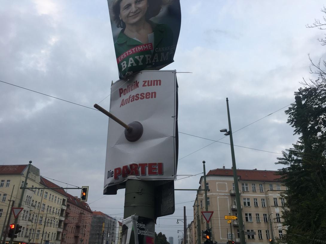 be kitschig Die Partei Poster