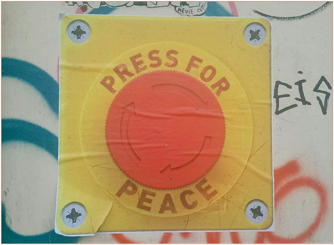 Frieden press for peace street art berlin