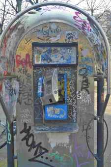 Telefon aus Kreuzberg Berlin street art be kitschig blog