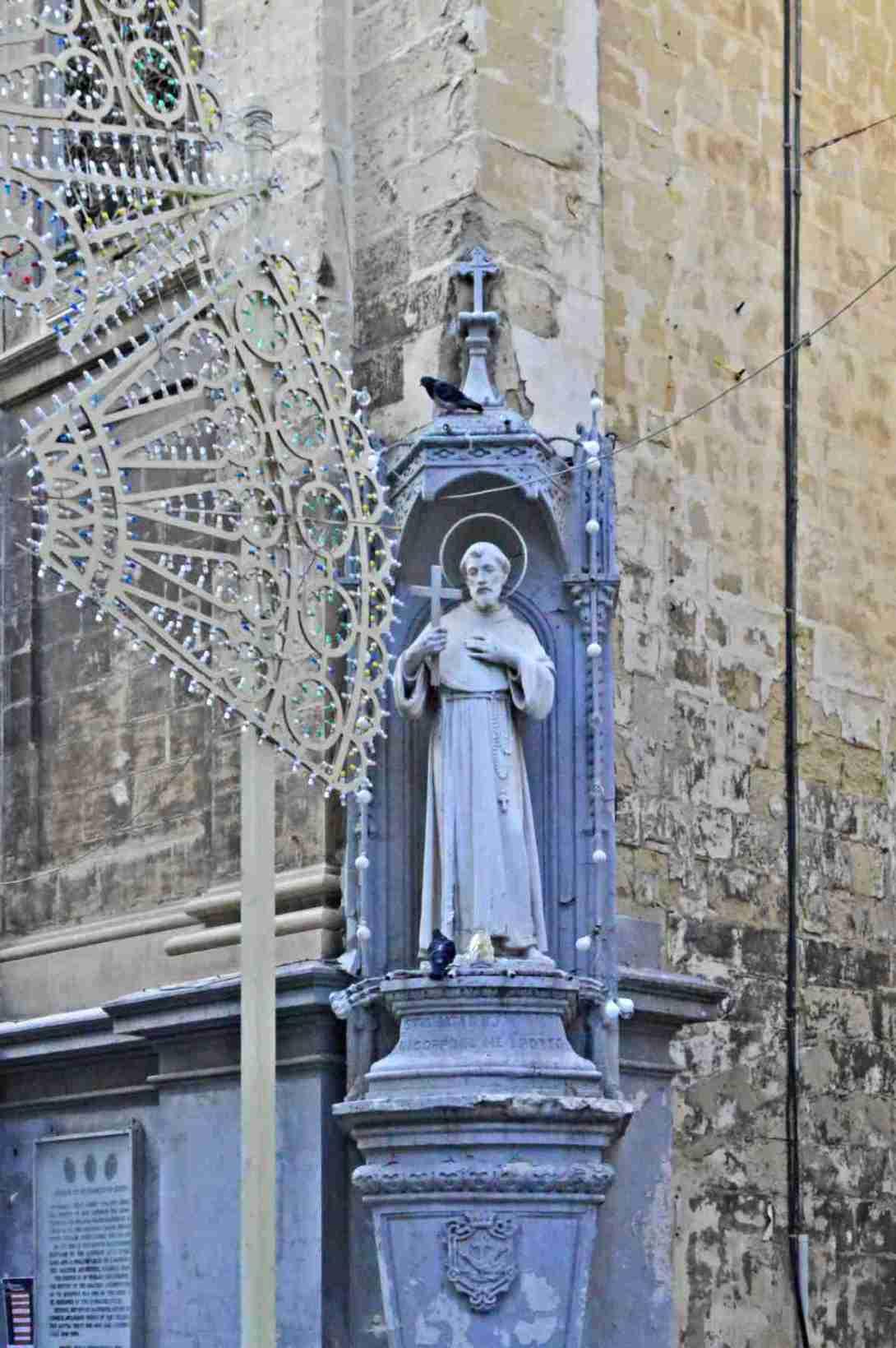 sculptures from Malta be kitschig blog
