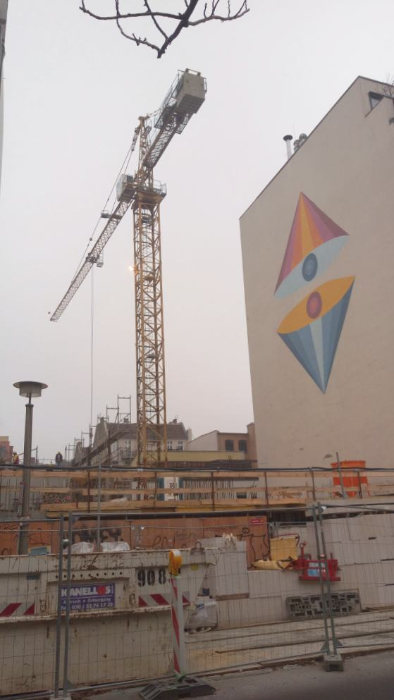 berlin construction site gentrification be kitschig blog mural