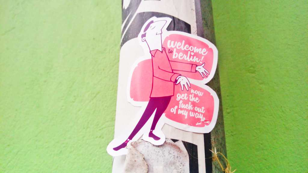 schönobyl Berlin sticker bomb street art urban art be kitschig blog Berlin