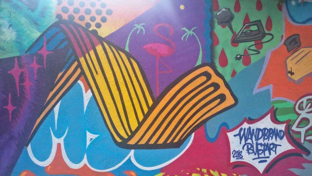 streetart berlin bustart wandbrand be kitschig blog