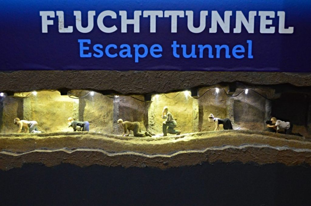 Escape tunnel Little Big City Berlin East to West