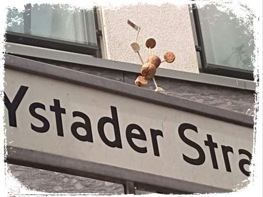 street yogi Korkmänchen be kitschig