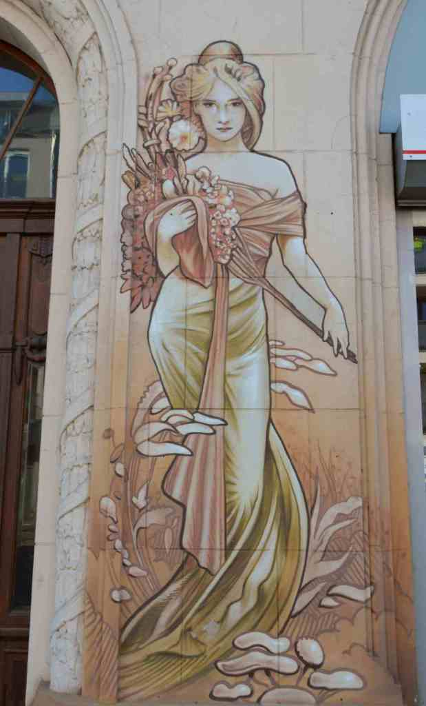 Berlin be kitschig blog street art Mucha